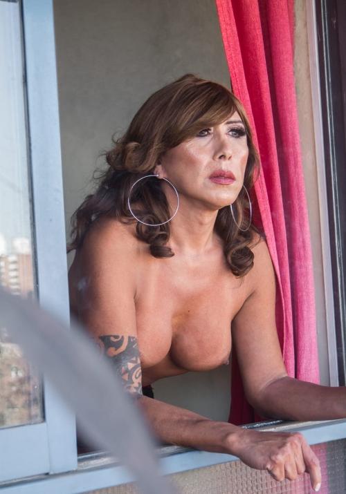 Debora Trans Ama Trans con experienciaJuegos eróticos de sumisiónSpankingLátex y cueroFistingFacesittingTramplingWax PlayPet PlaySissy